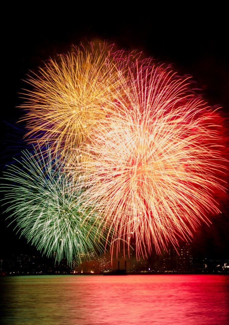 Spectacular Shots of Japan's Summertime Fireworks Festivals