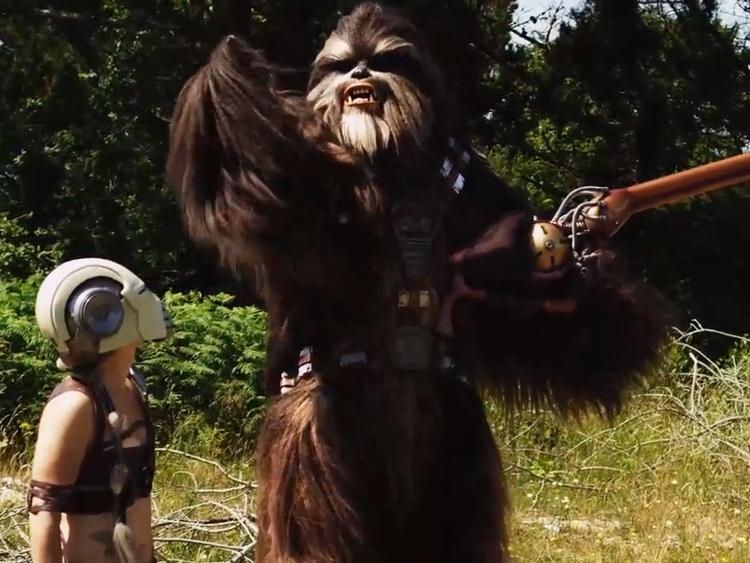 Epic STAR WARS Wookie Cosplay!