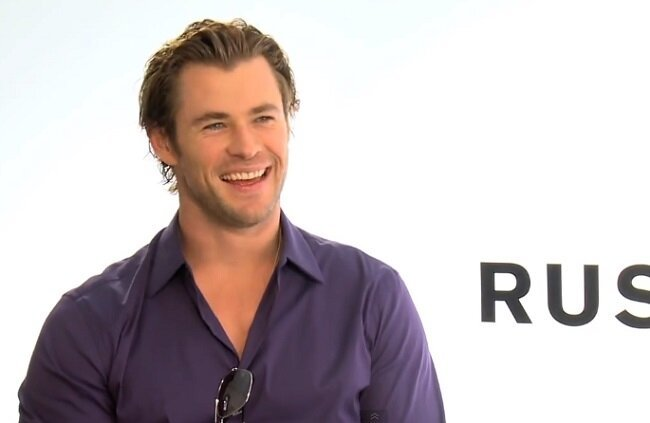 VIDEO: Chris Hemsworth Delivers A SICK BURN About Marvel / DC Rivalry