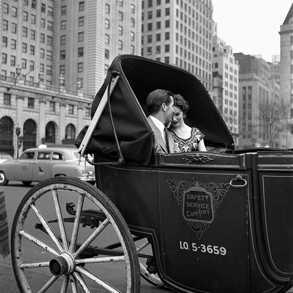Historical photos of NY and Chicago citizens
