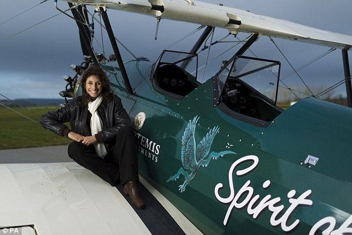 Woman recreated a legendary 8000 miles flight