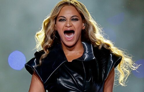 22 Celebrities Without Teeth