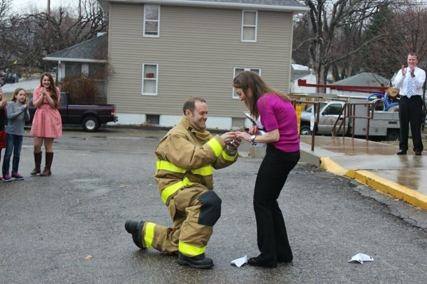 A Firefighter Staged A Fire Drill To Propose To His Teacher Girlfriend