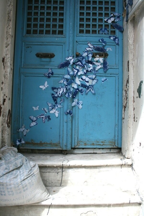 Street Art Project Spreads 4,000 Blue Butterflies Throughout the World