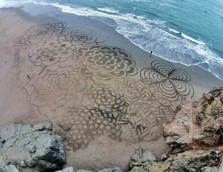 More Enormous Sand Paintings Created with a Rake by Andres Amador