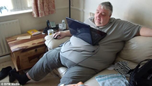 Teased husband sheds more than half his body weight through walking an