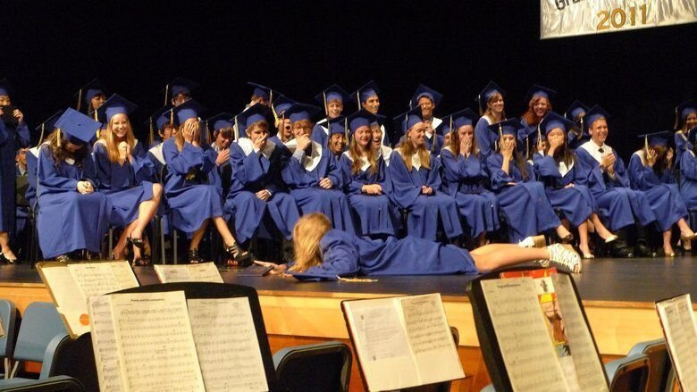 17 Epic Graduation Fails