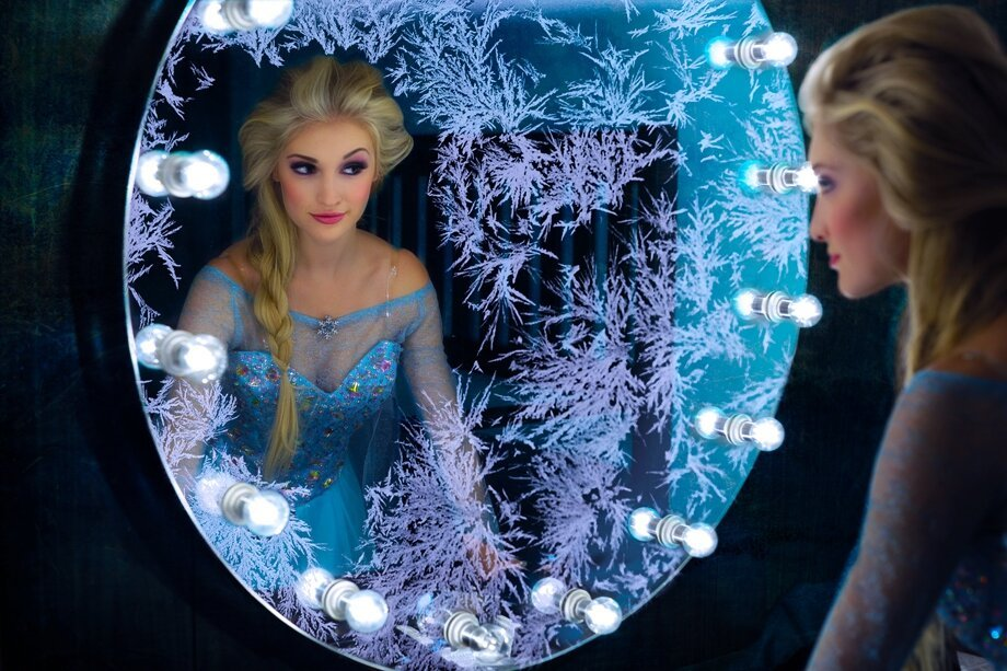 Frozen's real-life Elsa arrives at theCHIVE! Meet Anna Faith - See mor