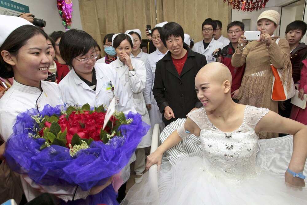 Cancer Patient Marries Long-Term Boyfriend at China Hospital