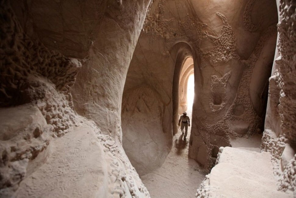 Man Spends 25 Years Hand-Digging Beautiful Caves от Katarina за 27 nov 2014
