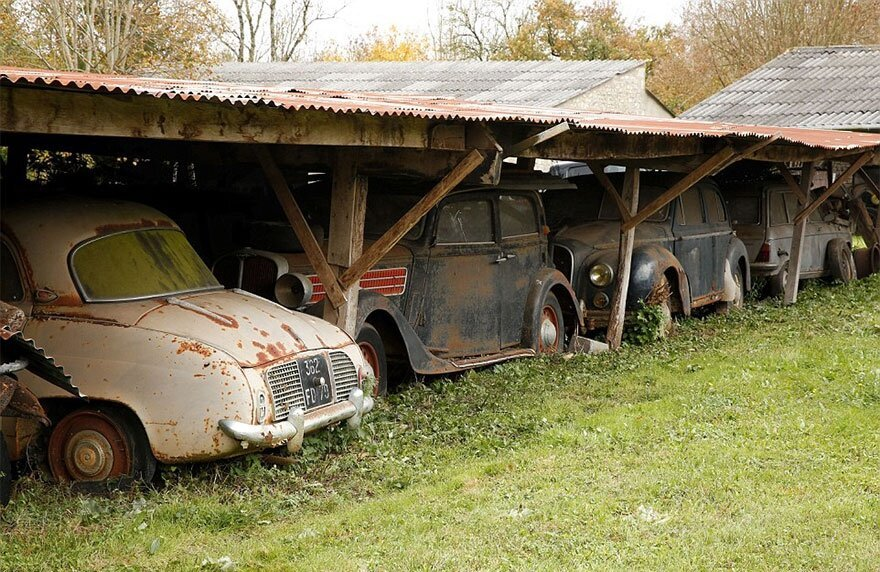 60 Vintage Cars Found After 50 Years Of Neglect