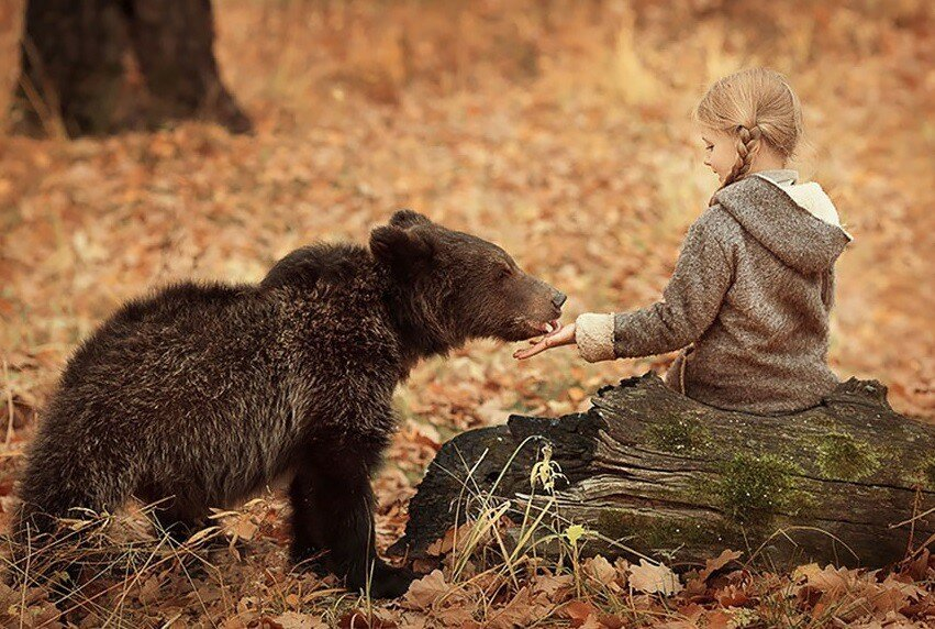 Children And Animals Cuddle In Cute Photoshoots By Elena Karneeva