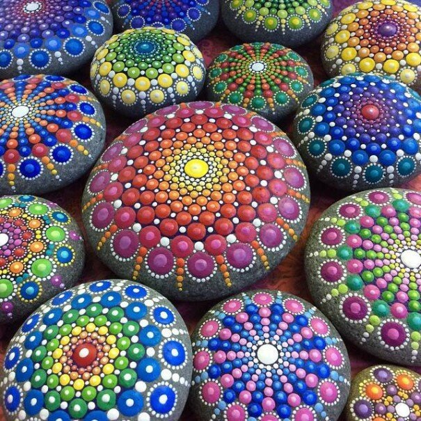 Artist Paints Ocean Stones With Thousands Of Tiny Dots