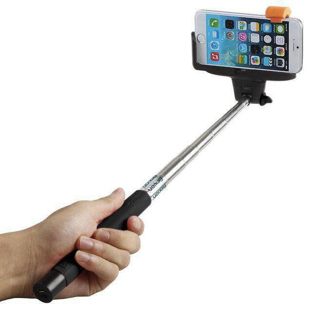 "Hate Using A Selfie Stick But Still Craving The Perfect Shot? Try The ""Selfie Arm"""