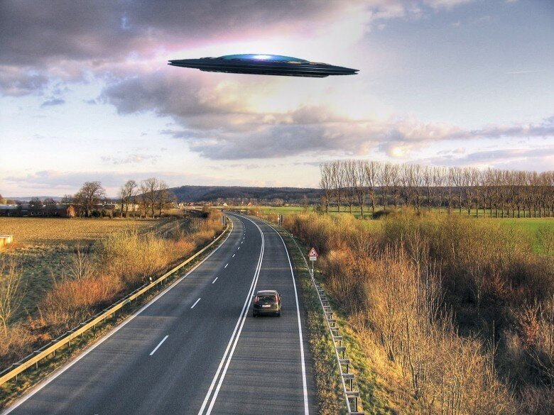 12 Shocking Alien Encounters That Will Actually Make You Believe