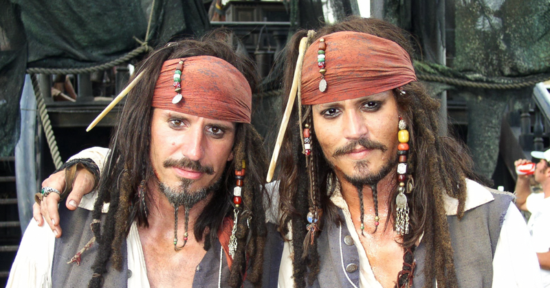 30 Actors With Their Body Doubles Show Your Whole Life Was A Lie