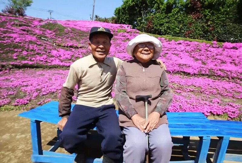 Loving Husband Spends 2 Years Planting Thousands Of Flowers For His Blind Wife To Smell