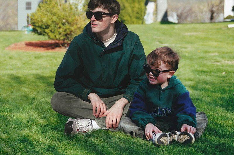 Guy Photoshops Himself Into Childhood Pics To Hang Out With His Childhood Self