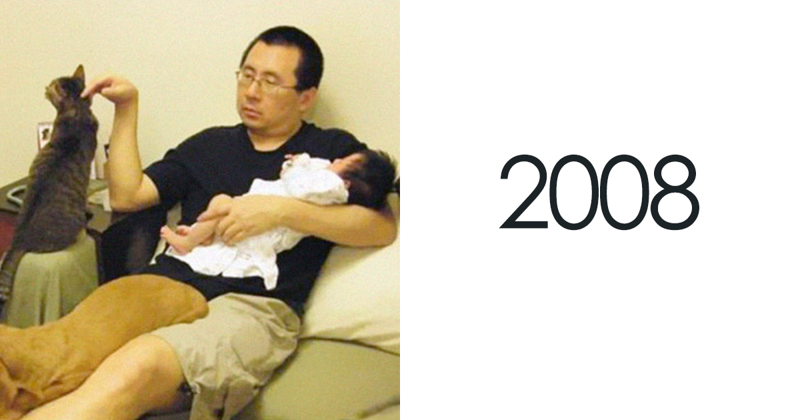 Father, Daughter And Pets Take The Same Photo For 10 Years