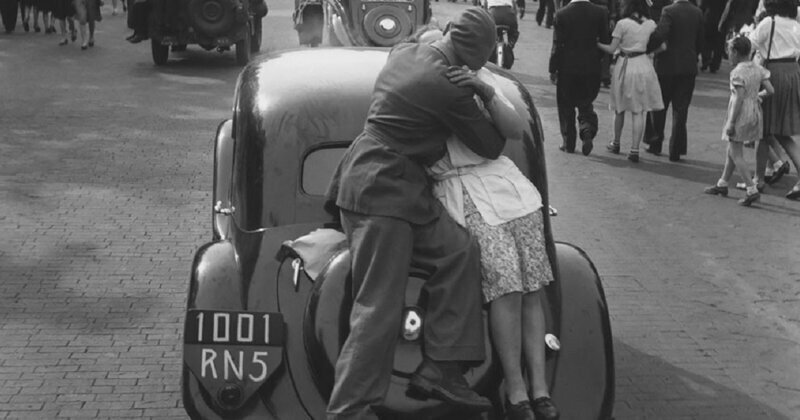 Amazing Black & White Photographs That Capture Everyday Life Of Paris From The 1930s And Early 1940s
