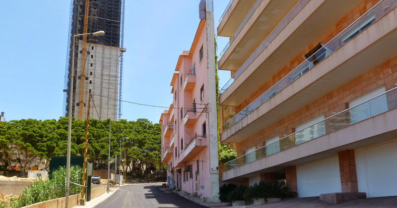 This Man Built Probably The Thinnest House In Beirut To Block His Brother's View Of The Sea
