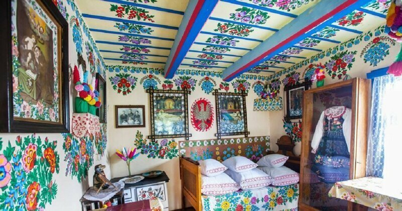Painted Cottages Of Poland: Beautiful House Decorating Tradition That Survived To These Days