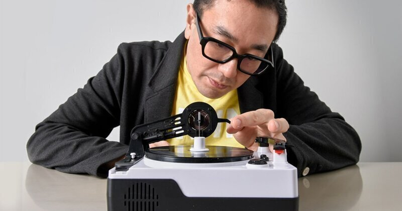This DIY Vinyl Engraver Lets You Create and Play Your Own Records at Home