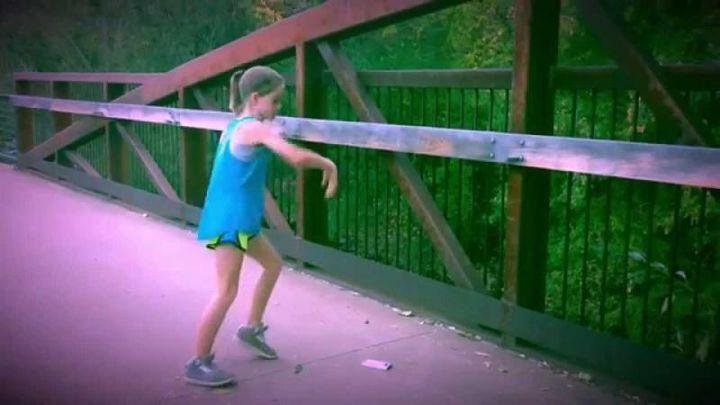 Эта девочка взорвала Интернет своим невероятным танцем