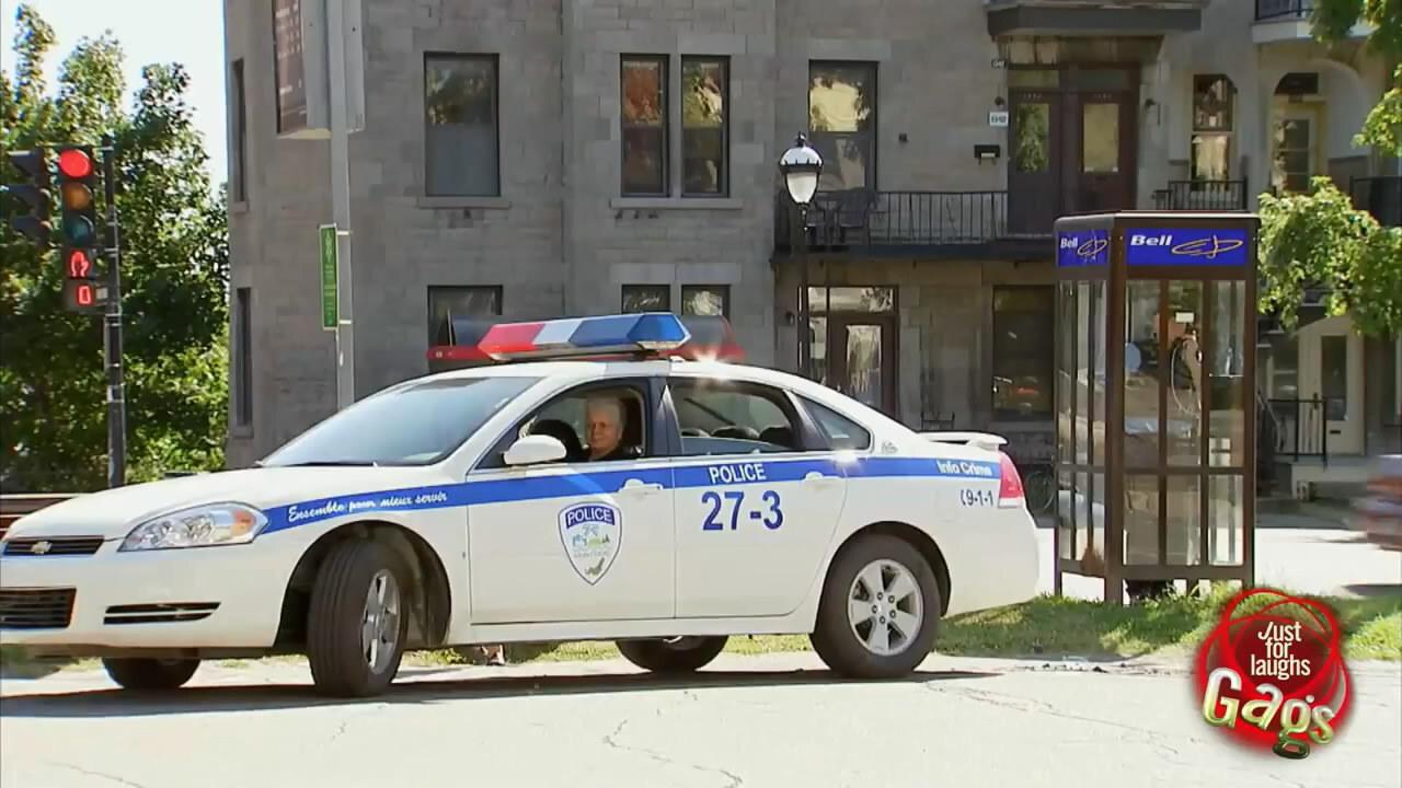Угон  полицейского автомобиля!