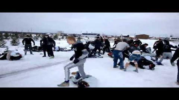 На уральской трассе футбольные болельщики устроили массовую драку