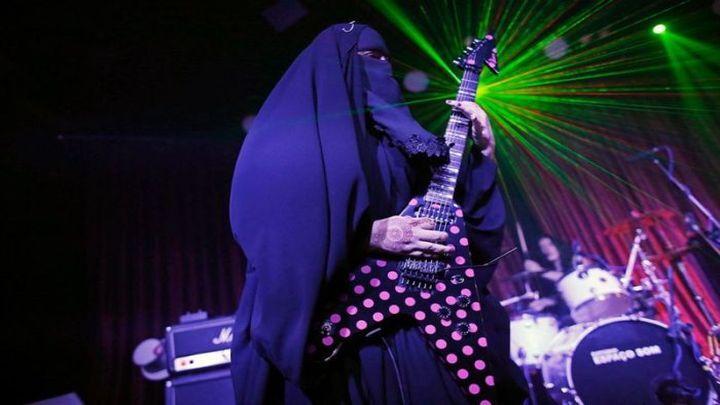 Ислам её религия, метал её профессия: мусульманка в парандже играет метал