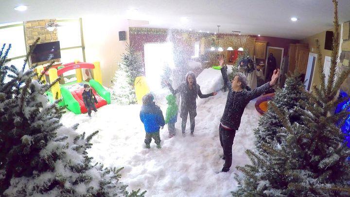 Главней всего погода в доме: Отец устроил своей семье настоящий снежный праздник!