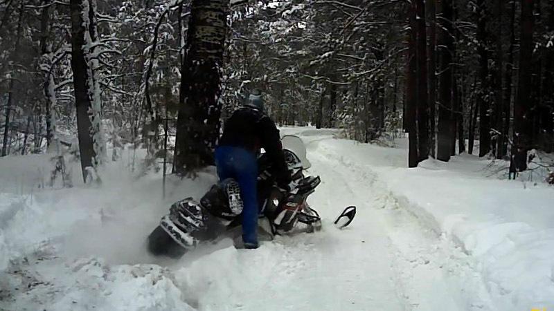 Родео на снегоходе