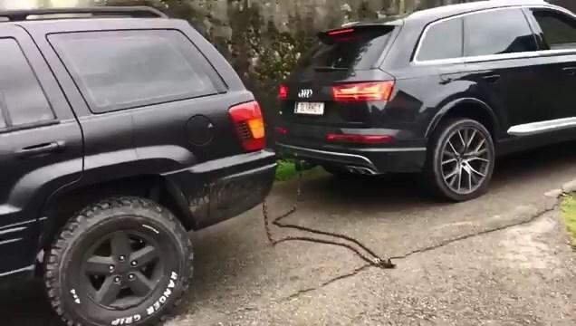 Перетягивание каната: Jeep Grand Cherokee против Audi