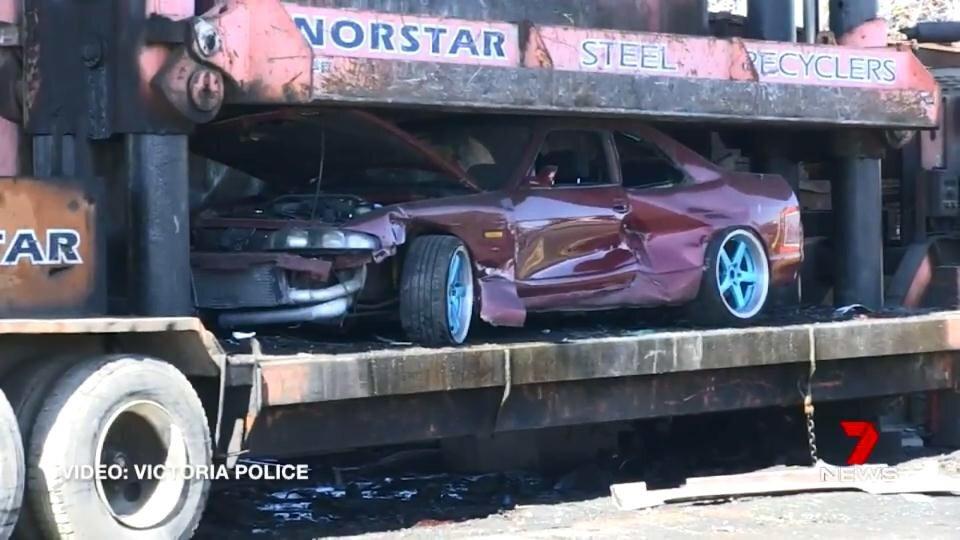 Полиция Австралии уничтожает машины конфискованные у стритрейсеров