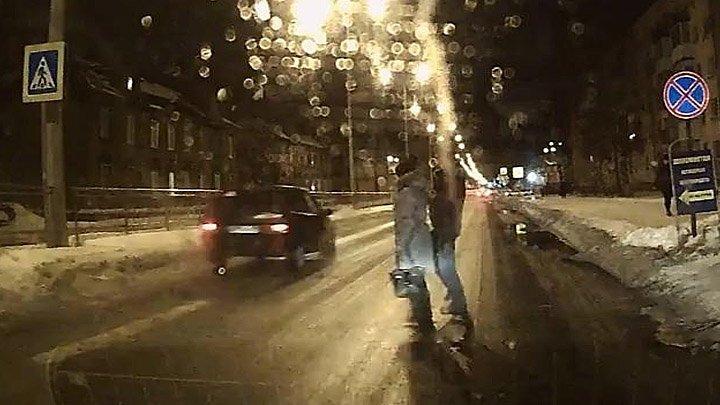 Страйк! Ответ нерадивым водителям от пешеходов