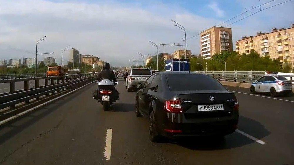 Интуитивно поддал газу: авария двух мотоциклистов