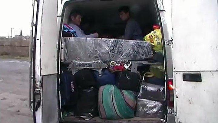Из Москвы в Киргизию с комфортом: 20 человек в грузовом фургоне