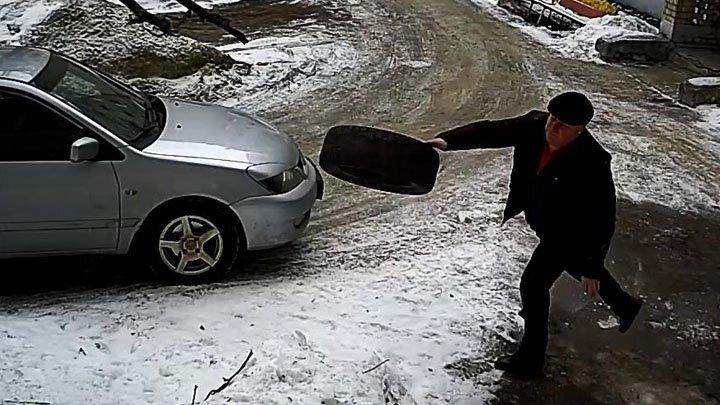 Борец с незаконным захватом парковочных мест во дворе
