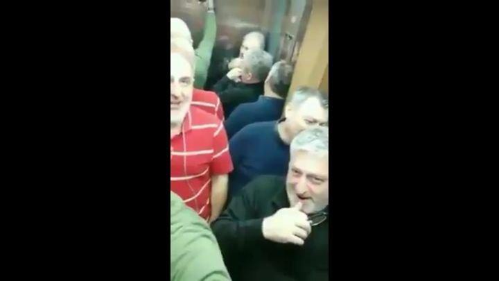 Что бывает, когда грузины застревают в лифте