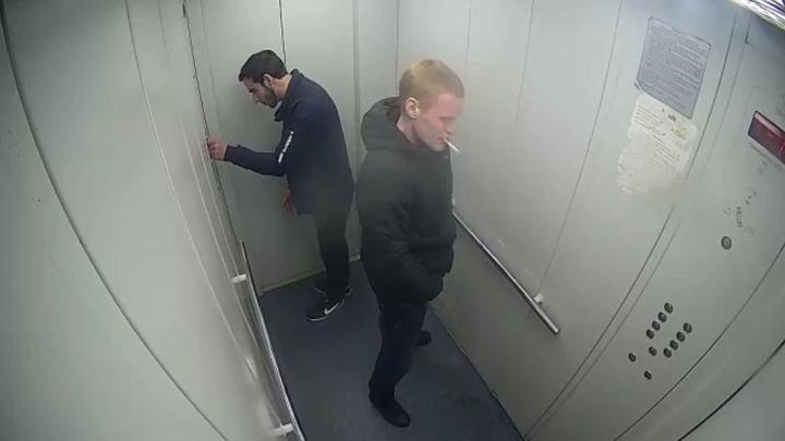 """""""Агенты"""" Трампа и Обамы в лифте Ярославля"""