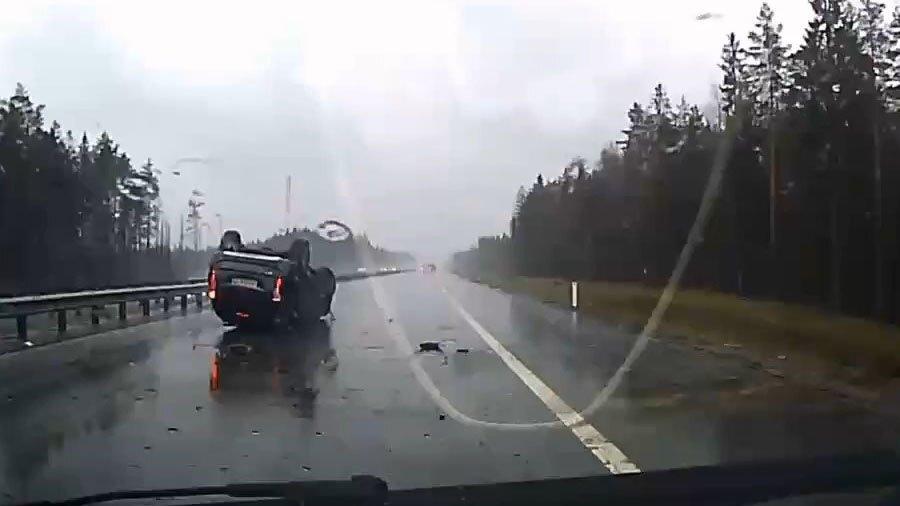 Авария дня. Нижний брейк-данс Mitsubishi