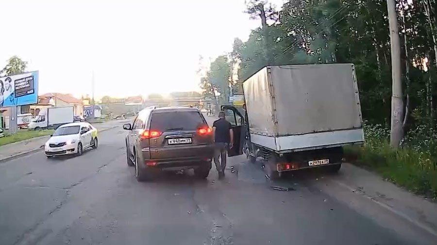 Глупое ДТП с дымком из Архангельска