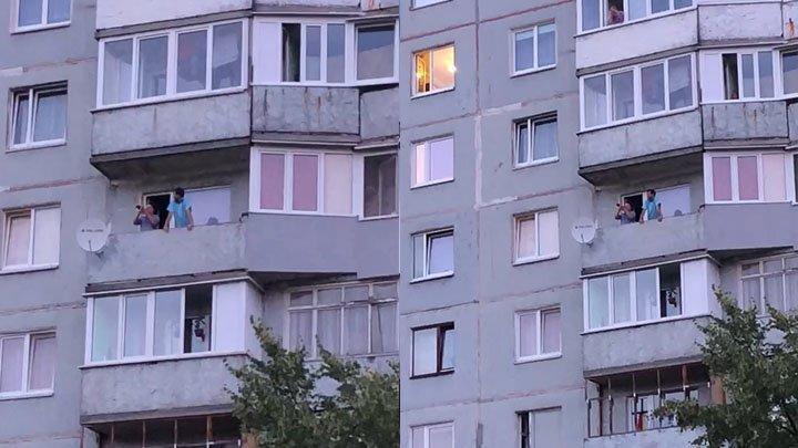 В Калининграде житель дома радует своих соседей музыкальными композициями