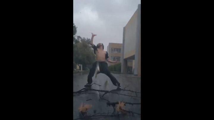 Находчивый японец использовал тайфун для создания своего эпичного видео