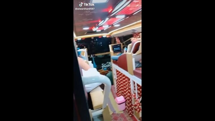 Элитный пакистанский автобус с повышенным комфортом