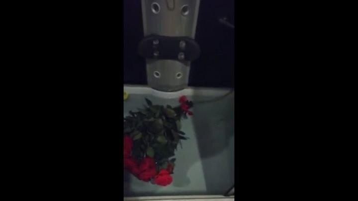 Спасая цветочки женщина затопила квартиру
