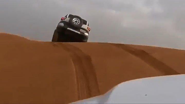 Развлечения на внедорожниках в пустыне
