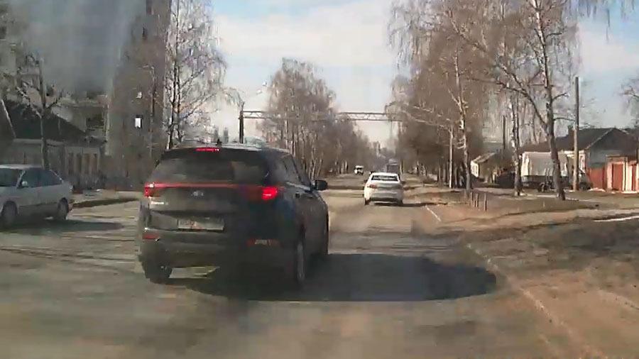 Обиженный водитель проучил обидчика и попал на лишение прав