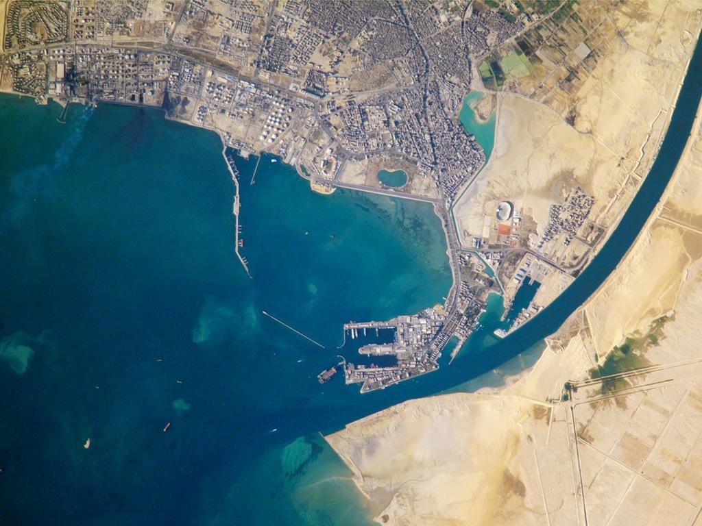 История Суэцкого канала